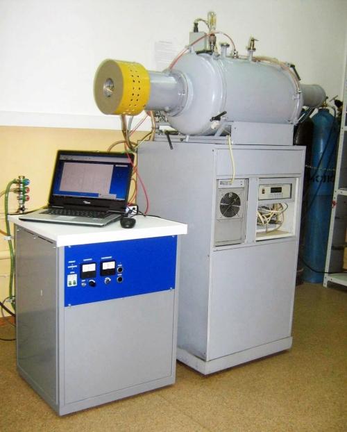 Установка среднечастотного магнетронного распыления