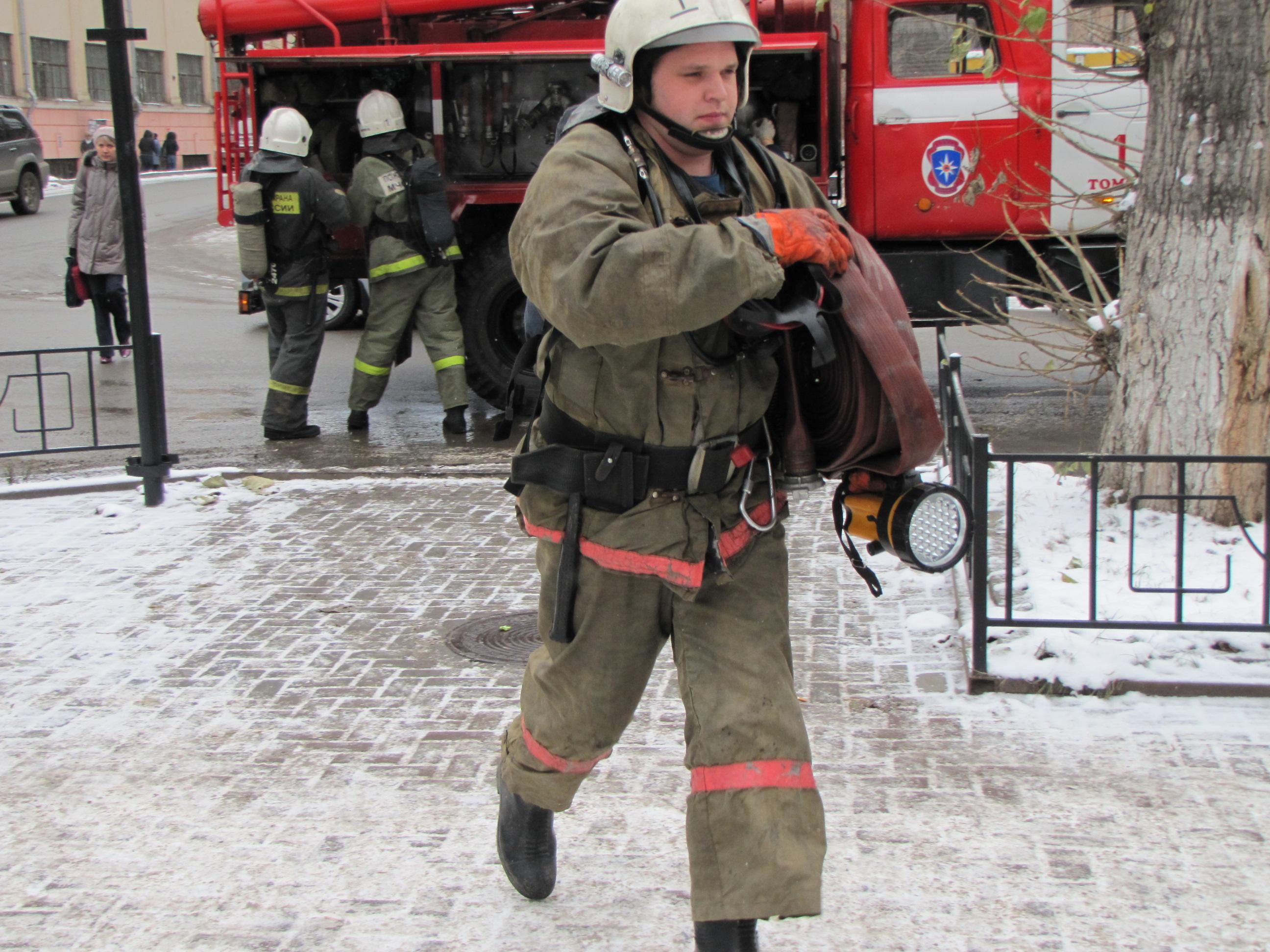 демотиваторы про пожарную охрану любовник задаривал подарками